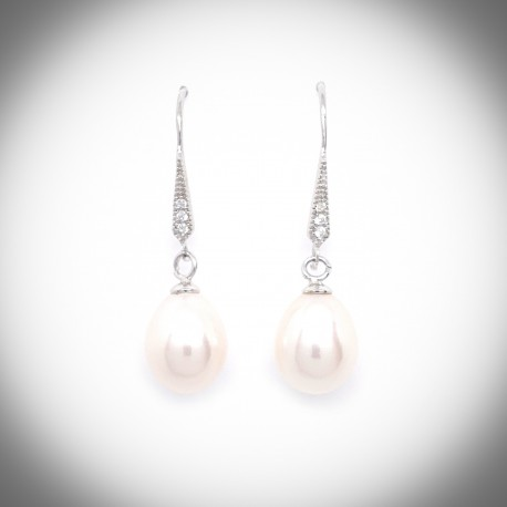 Calla Lily Pearl Earring